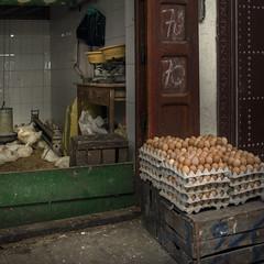 Eggs (Julio Lpez Saguar) Tags: aprobado juliolpezsaguar tetouan tetun marruecos morocco lemaroc calle street urban urbano mercado market huevos eggs tienda shop