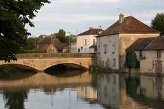 Pont sur l'Aube (Klon Bishop) Tags: 2016 barsuraube france pont bridge river rivire reflects