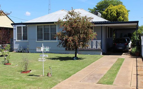 90 Railway Avenue, Leeton NSW 2705
