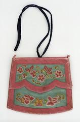 Anglų lietuvių žodynas. Žodis clutch-bag reiškia n rankinukas be rankenos lietuviškai.