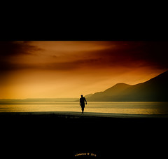 L'homme du Lac... (Alcosinus   ON-OFF ) Tags: water colors landscape couleurs elements paysage lagodigarda lacdegarde innamoramento artbureau nikond700 alcosinus redmatrix