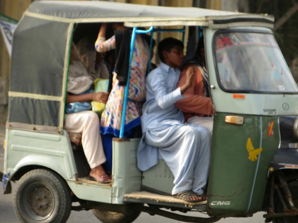 Mallu bazar market karachi pakistan - 4 8