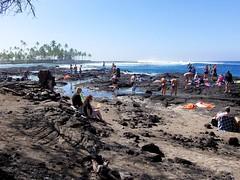 #8656 lava beach (Nemo's great uncle) Tags: beach hawaii surf  hi bigisland cityofrefuge  puuhonuaohnaunaunationalhistoricalpark puuhonuaohnaunaunationalhistoricalpark hnaunaubay hnaunaubayquotquotcityofrefuge