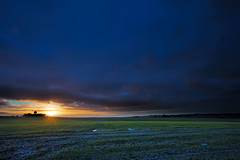 No. 0996 a glimpse of light (H-L-Andersen) Tags: sunset sky sun landscape denmark landscapes farming dramatic farmland crofts 1740mm manfrotto 6d weatherstation rader landoflight canoneos6d hlandersen teklaborgvej