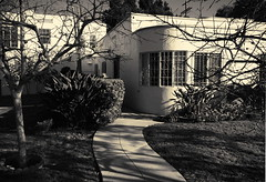 When We Used To Live South Of Wilshire (MPnormaleye) Tags: california city urban house home architecture modern garden design la landscaping moderne utata processing deco platinum metropolitan architerctural