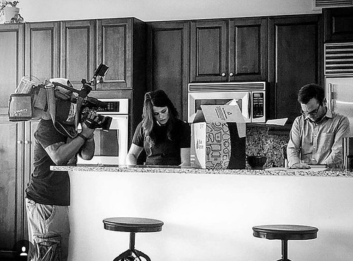 @marissacbs2 and I shot a great story today about meal kit companies like @blueapron The story airs in a few weeks. Are they cheaper than the grocery store? Other #mealkit companies we covered were @chefd @realhomechef and @hellofresh check out their page