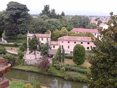 Beautiful house (zambi74) Tags: camminamento mura cittadella veneto italy italia padova medioevo panorama house landscape river fiume