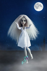 full moon... (Klio.13) Tags: monsterhigh monster high mattel dolls dollphotography toys toyphotography ooak custom customdoll ghoulia ghouliayelps
