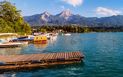 Faaker See (Toazty) Tags: alpen sterreich krnten faakersee see wasser berge mountains mittagskogel karawanken sommer summer sonne sun blauerhimmel bluesky boote abendsonne
