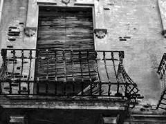 Abandoned balcony (Lidia Cozar) Tags: abandoned abandonado blackandwhite blancoynegro house casa black white blanco negro balcony balcon