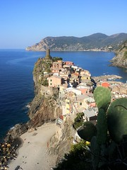 Vernazza (France-) Tags: vernazza cinqueterre italy septembre liguria liguriansea seaside plage beach coast water sea