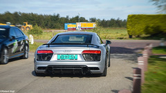 Audi R8 5.2 FSI quattro Plus - Loosdrecht, The Netherlands (irobbyv) Tags: audi audir8 r8 v10 spyder cabriolet germany dutch photography robertvogt tgooi spotting spot carspot carspotting autogespot autospot cabrio car carmeeting carswithoutlimits quattro black street the netherlands back ass front vehicle akrapovic exhaust auto racing sport race outdoor white cars sportcar supersports riding 2016 fsi plus 52 blaricum carevent carsandbusiness carwithoutlimits carparking carsandcoffee carporn carbon grey loosdrecht rennspeed rennspeedexclusive