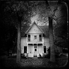 Leave on tip toe... (Maureen Bond) Tags: ca maureenbond roadtrip americanhorrorstory house blackwhite texture iphone scary haunted trees leaves fall