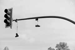 stress from trafficjam? (_Kry_) Tags: trafficlight street berlin shoes blackwhite bw streetphotography biancoenero monocrome walkingaround lookingup cityexplore humanconditions socialstudy socialdecay socialphotoreport oursociety aroundus