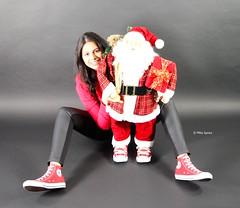 Christmas Girl (chucksdealer) Tags: christmas xmas girl fashion model fotograf canvas photograph converse chucks cutegirl chucktaylor fotoshooting chucksprofi