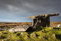 Poulnabrone Dolmen - IMG_3807 (felipetgarcia) Tags: ireland megalithic clare tomb burren neolithic poulnabronedolmen pollnambrn