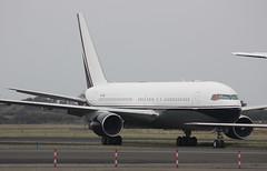 VP-CME Boeing 767-231ER Middle East Jet (corkspotter / Paul Daly) Tags: jet east shannon boeing middle mustafa sheikh snn edrees 22567 einn b762 vpcme 767231er
