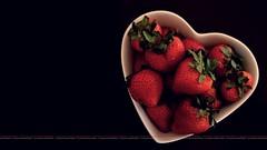 Valentine's Strawberry (dr.7sn Photography) Tags: red love fruit happy big strawberry nikon day heart you lovers professional u luv valentines l plat يوم عيد عشق قلب تصوير صحن حب انتي فرحة احبك احمر نيكون فراولة سعادة فواكه لون حبيبة احتراف فلنتاين d5100 خبيبتي
