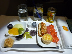 201412003 LH623 RUH-FRA snack (taigatrommelchen) Tags: food airplane inflight business snack meal lufthansa dlh a330300 flyingmeals daikl lh623 ruhfra 20141252