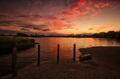 Four Poster Sunset (Captain Nikon) Tags: attenboroughnaturereserve attenborough nottinghamshire notts naturereserve lakes post sunset dusk lowlight moody sundown reflections nikond7000 sigma1020mmf4