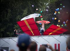 Fliegenpilz (Sven Vietmeier) Tags: schweiz suisse zrich geschenk redbull baloons fliegenpilz flugtag 2016 landiwiese
