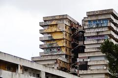 _DSC4225 (Parrasgo) Tags: urban streetart art blanco trash graffiti agua reflejo basura rubbish napoli fiore velas napoles escondido lavadoras pobreza secondigliano nascosto neveras camorra scampia gomorra