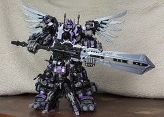 Guitar pose (Jon..Hall) Tags: scale transformers oversized upgrade masterpiece shrapnel insecticon skywarp nerorex