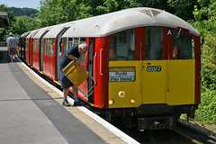 483007, Shanklin, June 24th 2010 (Suburban_Jogger) Tags: 483007 007 class483 38ts londonunderground islandline southwesttrains stagecoach isleofwight vectis shanklin june 2010 summer canon 30d passenger travel public transport train railway railroad emu electricmultipleunit vehicle