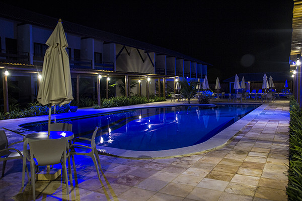 Tabaobí - piscina à noite