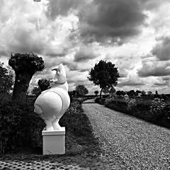 Art in the Field / Kunst in het veld (jo.misere) Tags: kunst art reijmerstok limburg zw bw