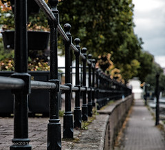 Leading lines (RIS'n'RAS) Tags: railings lines chester path leadin