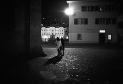 dark corner (gato-gato-gato) Tags: leica leicam6 leicasummiluxm35mmf14 m6 messsucher monochrom schweiz strasse street streetphotographer streetphotography streettogs suisse svizzera switzerland zueri zuerich zurigo analog believeinfilm black film filmisnotdead flickr gatogatogato gatogatogatoch homedeveloped rangefinder streetphoto streetpic tobiasgaulkech white wwwgatogatogatoch ilford leicasummilux35mmf14asph aspherical summilux 35mm zrich ch leicamp mp manualfocus manuellerfokus manualmode schwarz weiss bw blanco negro monochrome blanc noir strase onthestreets mensch person human pedestrian fussgnger fusgnger passant sviss zwitserland isvire zurich