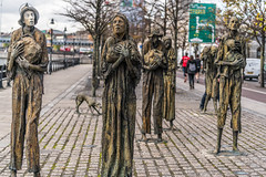 FAMINE MEMORIAL AT CUSTOM HOUSE QUAY IN DUBLIN [ARTIST - ROWAN GILLESPIE]-122176 (infomatique) Tags: famine greathunger faminememorial customhousequay northwall dublin ireland infomatique williammurphy rowangillespie