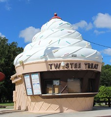 Twistee Treat (jmaxtours) Tags: twisteetreat icecream cone kissimmeeflorida kissimmee florida fla