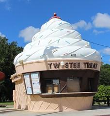 Twistee Treat (jmaxtours) Tags: twisteetreat icecream cone kissimmeeflorida kissimmee florida fla