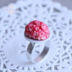 Bague Bloody Brain (Suki.Faith) Tags: halloween miniature blood brain ring polymerclay fimo clay gore horror sang frisson bague horreur peur cerveau miniaturefood cervelle
