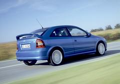 1999: Der Opel Astra (G) OPC wird zum Verkaufsschlager (opelblog) Tags: speed performance highlights historie geschwindigkeit opc motoren leistung rennsport opelblogcom