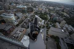 Dont look down (@RobbyRey) Tags: roof toronto ontario canada tower cn swimming ttc pools exploration topping