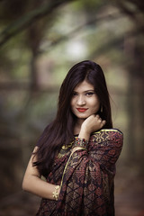 Noksha (anter_uz_zaman) Tags: light portrait woman green girl beauty fashion female canon eos natural dhaka 70200 bangladesh uz 6d anter zaman 600exrt wwwfacebookcombdframes