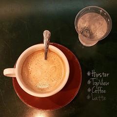 เค้าว่า ฮิปสเตอร์ จะต้องถ่ายรูปกาแฟมุมสูง #TopView #Coffee #Latte #Hipster ลองดูหน่อยครับ