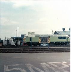 56107 Doncaster Works (British Rail 1980s and 1990s) Tags: station train er br diesel rail railway loco trains 80s locomotive eighties 1980s britishrail 56 doncaster livery eastcoastmainline mainline brel ecml class56 56107 easternregion liveried type5 britishrailengineeringltd