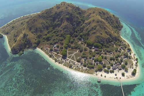 Kanawa Island of Labuan Bajo Flores *pengen ke puncak bukit nya vro* :D