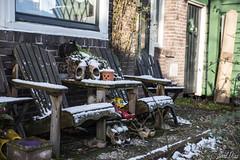 Zaanse schans (Saúl Díaz) Tags: sky snow holland tourism netherlands landscape nikon nederland paisaje holanda tamron turismo clog zaanseschans paísesbajos zueco d810 verstoppen nikond810