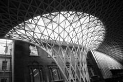 King's Cross concourse curves (zawtowers) Tags: white black london monochrome station architecture train john mono cross railway kings curve vinci built concourse designed mcaslan