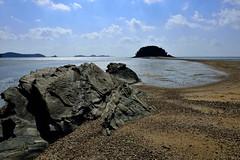 Mokseom way _JGS (withcamera) Tags: camera seascape beach rock nikon waves dating southkorea foreshore incheon takingpictures vestige seonjaedo nikondf mosesmiracles mokseomway seonjaeri seonjbridge