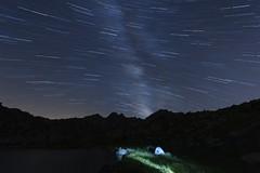 Mirando al Sur y jugando con la luz / Looking South and Playing With the Light (MiquelGP54) Tags: longexposure nightphotography lightpainting andorra largaexposicin grauroig fotografanocturna ecuadorceleste circdepessons celestialequador estanymeligar