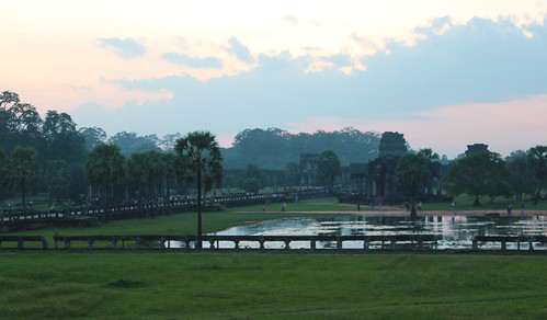 The famous pond in front of Angkor Wat (Chetra Chap, 2012).