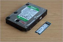 HDD vs. M.2-SATA (gynti_46) Tags: computer pc harddisk disk hdd festplatte harddiskdrive datenträger festplattenlaufwerk ngff m2sate
