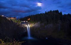 Snoqualmie Falls in the Evening (Snoqualmie, WA) (Sveta Imnadze.) Tags: longexposure nightlights bluesky wa snoqualmiefalls themoon