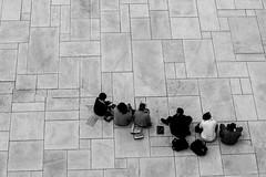 sushi (www.carbonat380.de) Tags: 4056 40150 40150mm blackandwhite gx7 lumix mzuiko mft microfourthirds norway olympus oslo panasonic aereal eating fromabove human monochrome people street structure travel travelphotography